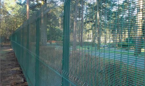358 Welded Mesh High Security Fence Panels for Prison and Military Uses